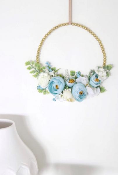 Little Miss Blossom - Kranz mit Perlen gold Blue Love