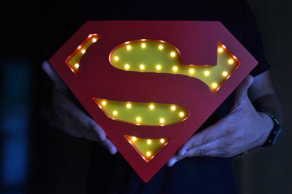 HappyMoon - LED Nachtlampe Superman